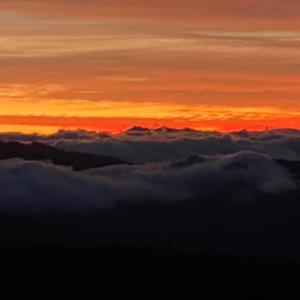 渋峠の今朝の朝日&妙義山の麓からの眺め