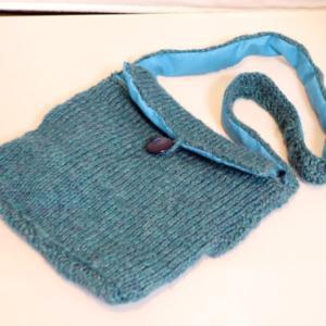 編みもの ~ 毛糸のポシェット ~