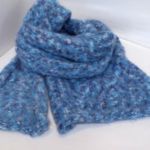 編みもの ~ モヘア毛糸のマフラー ~