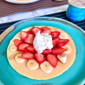 差し入れ完熟イチゴの消費にハワイアン風パンケーキ