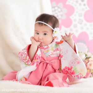 あかりちゃん1歳の記念撮影