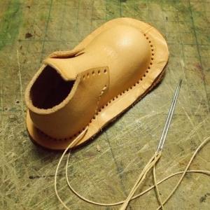 サイの親子の革人形を作る その233