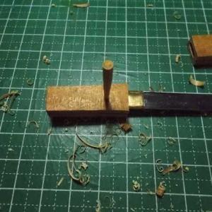 釘でミニチュアの短刀を作る その23