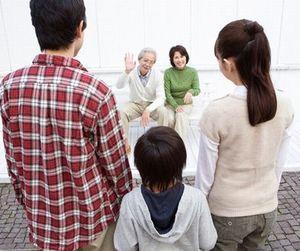 家族みなさんは生計が一ではないですか…? 住民票の世帯分離 届出問題