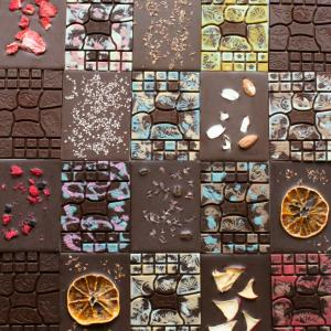 通常の3倍の時間をかけて作るChocoRekoローチョコレートとは?