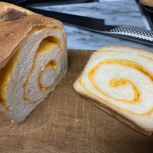 チーズのミニ食パン