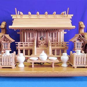 【今月のおすすめ】NO.40ケヤキ板屋根三社(小)+栓棚板セット