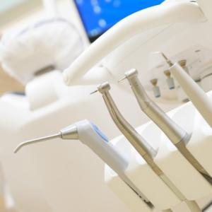 「歯が抜けない」と心配している娘と歯医者へ。レントゲン写真を撮ってもらいました。