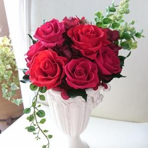 還暦のお祝いに赤いバラの贈り物