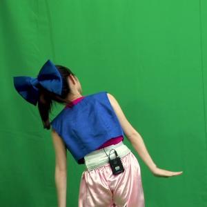 佐藤佳奈アナ お尻を激しく食い込ませながらダンスをレクチャーする!!【GIF動画あり】