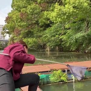 林美沙希アナ 釣り堀でピタパンのお尻にパン線が食い込む!!