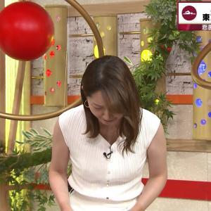 竹﨑由佳アナ ニット & ノースリーブ!