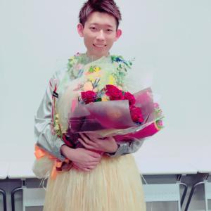 ステキなお花と応援団扇!