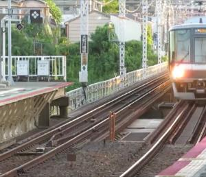 JR阪和線・浅香駅にて 平日早朝の快速列車など