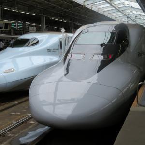 山陽新幹線・新大阪駅にて(2020年7月28日撮影)700系7000番台レールスター