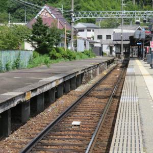能勢電鉄・妙見口駅にて(2020年9月19日撮影)その2 レトロ駅舎と5100系