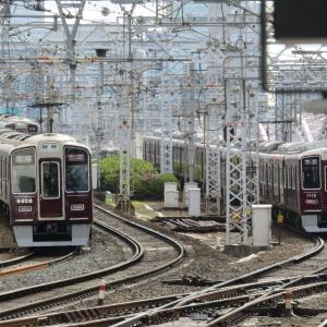 阪急電車・十三駅にて その2 三路線の行き交う十三駅