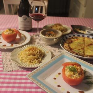 ある日のお家ご飯〜トマトのファルシー