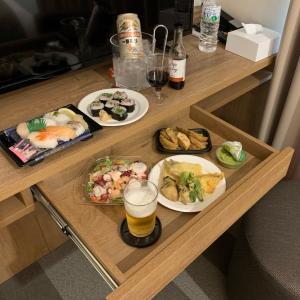 ファーイーストヴィレッジホテル横浜でのおこもりステイ◼️夢のラウンジ