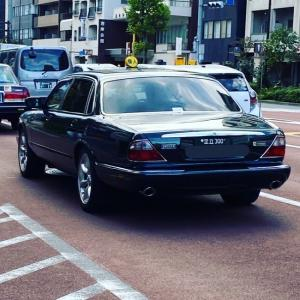 【街で見掛けた】ジャグワーの個人タクシー【2020/11/09】