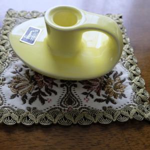 レトロな陶器のキャンドルたて