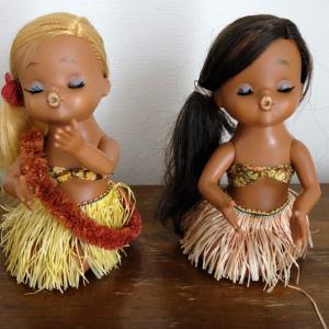 レトロなプラのフラダンス人形