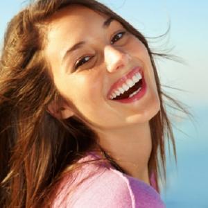 バレンタイン前にきっちりオーラルケアを見直して!美しさは健康的な白い歯から