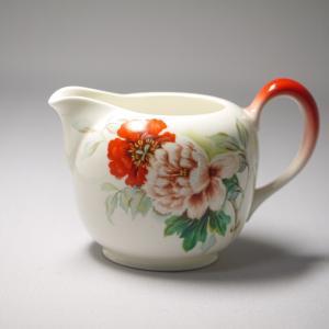 国内向けオールドノリタケ  ボーンチャイナ  花の図柄のミルク入れ 昭和13〜20年頃