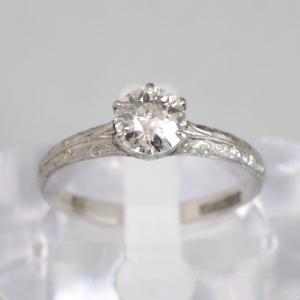 プラチナ製 立て爪のダイヤモンドリング 明治前半頃?