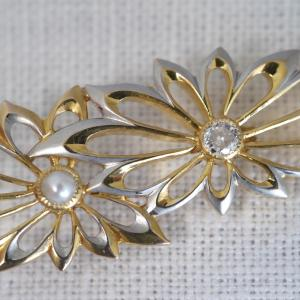 K20製 ダイヤと真珠の菊の透かしの帯留め 大正時代 東京貴金属品製造同業組合による組合刻印