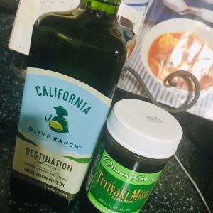 カリフォルニア産のオリーブ油とハワイ産の調味料が好き。