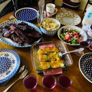 初ピラティスの後の家族のお食事。