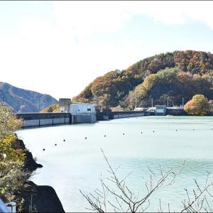 ★あの八ッ場ダムに、水の中を走るバスが出現! 【八ッ場あがつま湖】