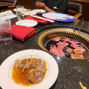 【 3 沖縄旅行 続き。。 ナイトプールと夕飯とお土産 】
