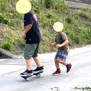 【 5歳と小学5年生 くねくねスケボー リップスティックのサイズ 】野球につきあう下の子の遊び