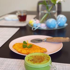 かりかりチーズのオープンオムレツ朝ごはん