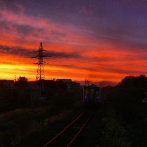 夕暮れの花咲線東根室駅