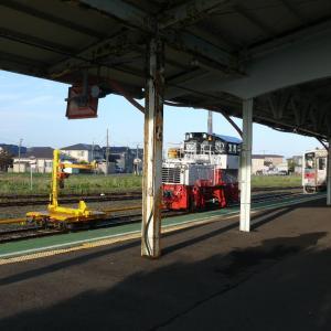 早朝の花咲線根室駅にハイモ到着!