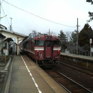 18きっぷ途中下車旅行記(15)・立山連峰を望める海のそば・JR氷見線・雨晴駅(25分・2013/03)