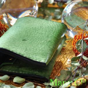 イタリアンバケッタレザー・アラスカ・コンパクト2つ折り財布・時を刻む革小物