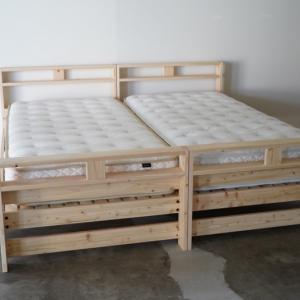 国産ひのきのシンプルな二段ベッド