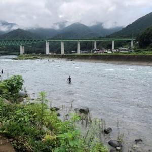 大混雑の桂川