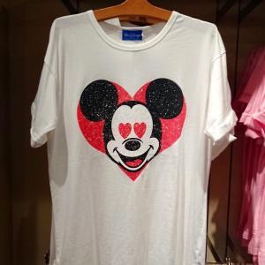 パートナーにメロメロ♡ミッキー・ミニー・ドナルドの新作Tシャツ発売!