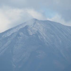 駒ケ岳に初雪