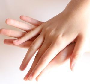健康は手の指や爪にも現れる