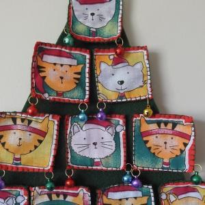 Week 339 - Cat Panel Christmas Tree