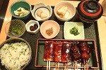 鈴の屋の菜めし田楽定食が美味しい。