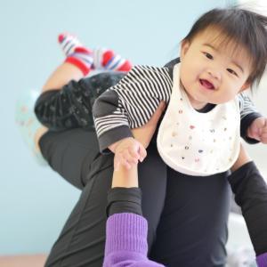 【前橋市】赤ちゃんとママの触れ合い教室(ベビーマッサージと赤ちゃん体幹運動)の様子