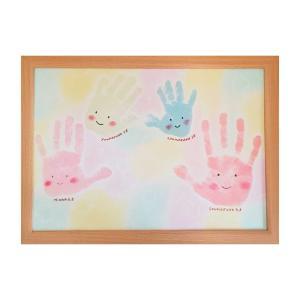 にじの手形アート&ファーストカットアート教室の様子