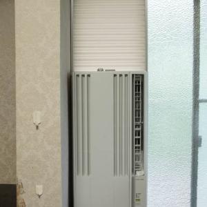 L字金具を使った窓用エアコンの設置例